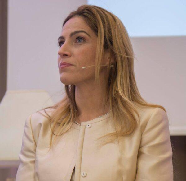 Carina Fisicaro Coach professionista specializzata in empowerment al femminile. Founder di DonnaON